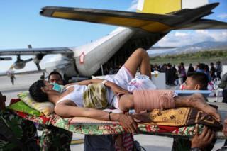 زلزله و سونامی اندونزی؛ نگرانی از به تله افتادن مردم زیر آوار - 19