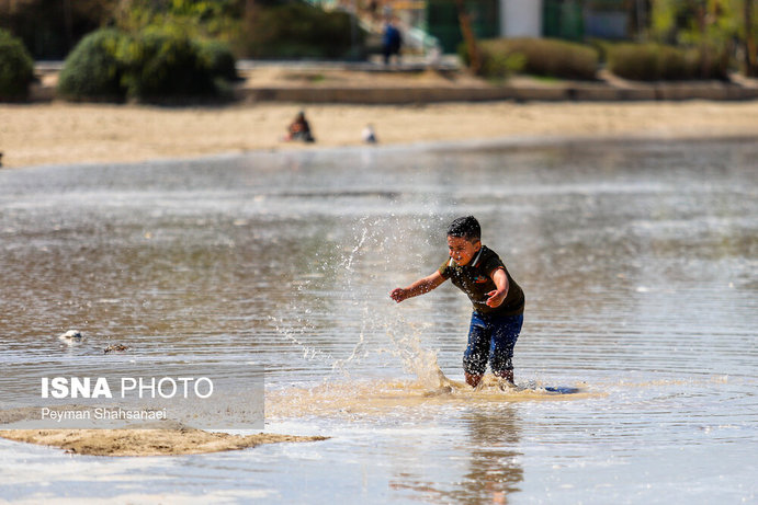 جاری شدن آب در زاینده رود نشاط نوروزی را دو چندان کرد+تصاویر - 26