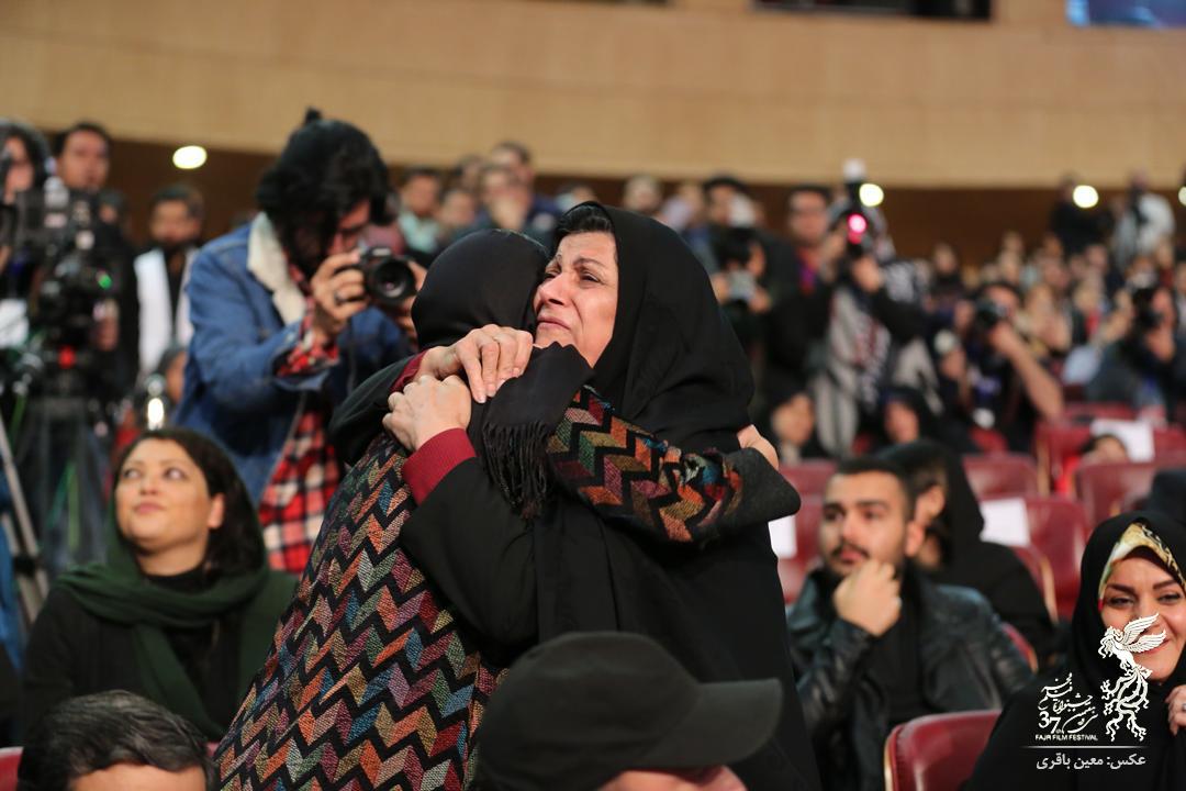 الناز شاکردوست در آغوش «مادر فائزه» +عکس - 4