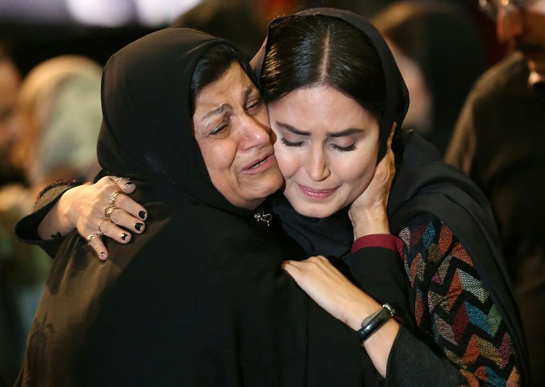 الناز شاکردوست در آغوش «مادر فائزه» +عکس - 1