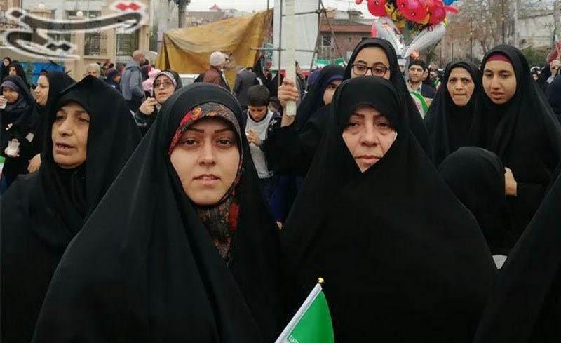خانواده «مسیح علینژاد» در راهپیمایی ۲۲ بهمن+عکس - 2