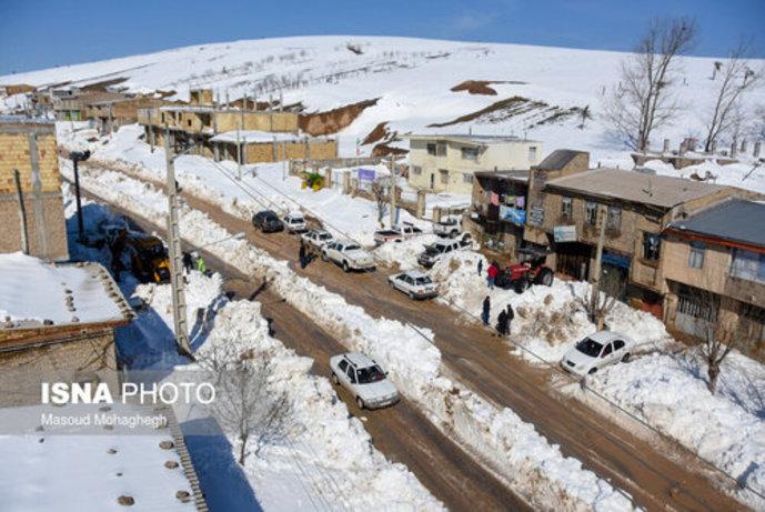 تصاویر/ بارش سنگین و بیسابقه برف در کالپوش شهرستان میامی - 7