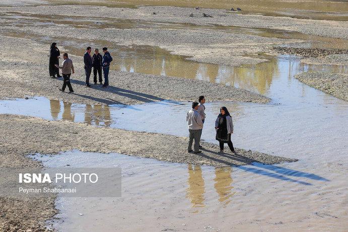جاری شدن آب در زاینده رود نشاط نوروزی را دو چندان کرد+تصاویر - 18