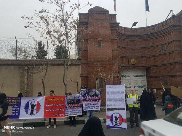 تجمع مقابل سفارت فرانسه در تهران+عکس - 9
