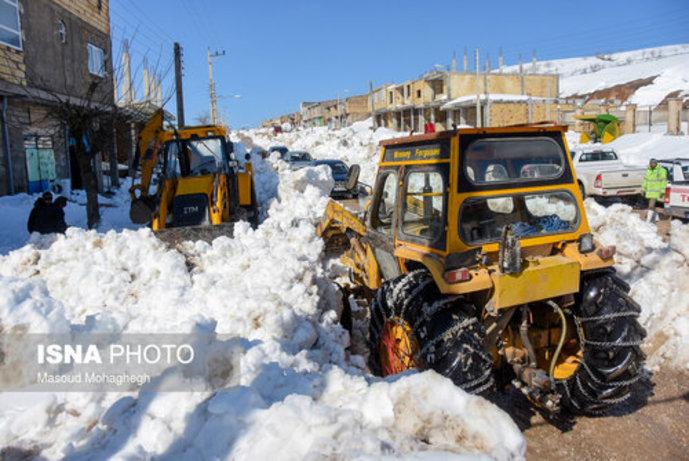 تصاویر/ بارش سنگین و بیسابقه برف در کالپوش شهرستان میامی - 8