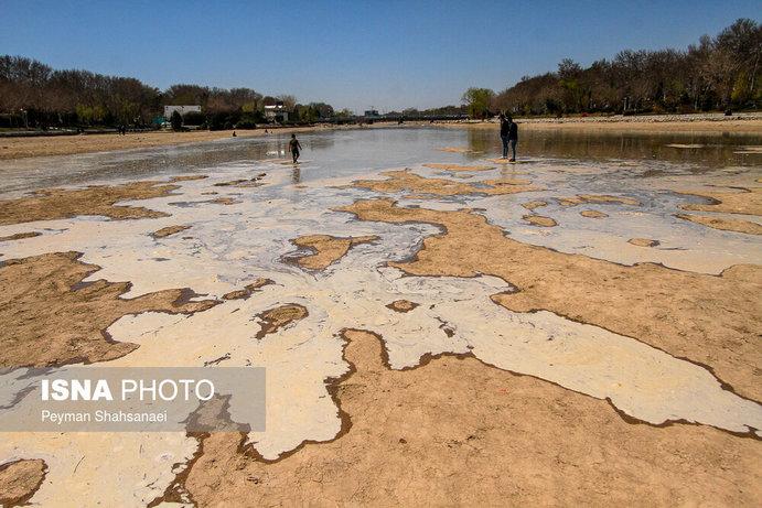 جاری شدن آب در زاینده رود نشاط نوروزی را دو چندان کرد+تصاویر - 33