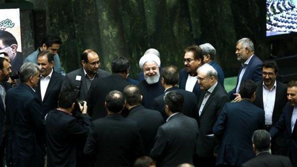 حضور رئیس جمهور در صحن علنی مجلس شورای اسلامی - 11