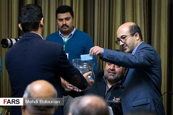 توئیت حاشیهساز عضو غایب جلسه امروز شورا/«حناچی« فقط چند دقیقه شهردار شد؟! - 13