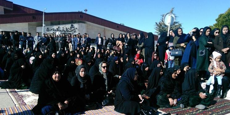اولین سالگرد قربانیان سانحه تهران- یاسوج بدون حضور مسئولان + تصاویر - 5