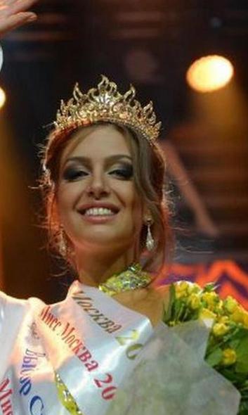 ملکه زیبایی روس مسلمان شد و به عقد پادشاه مالزی درآمد (+ عکس) - 13