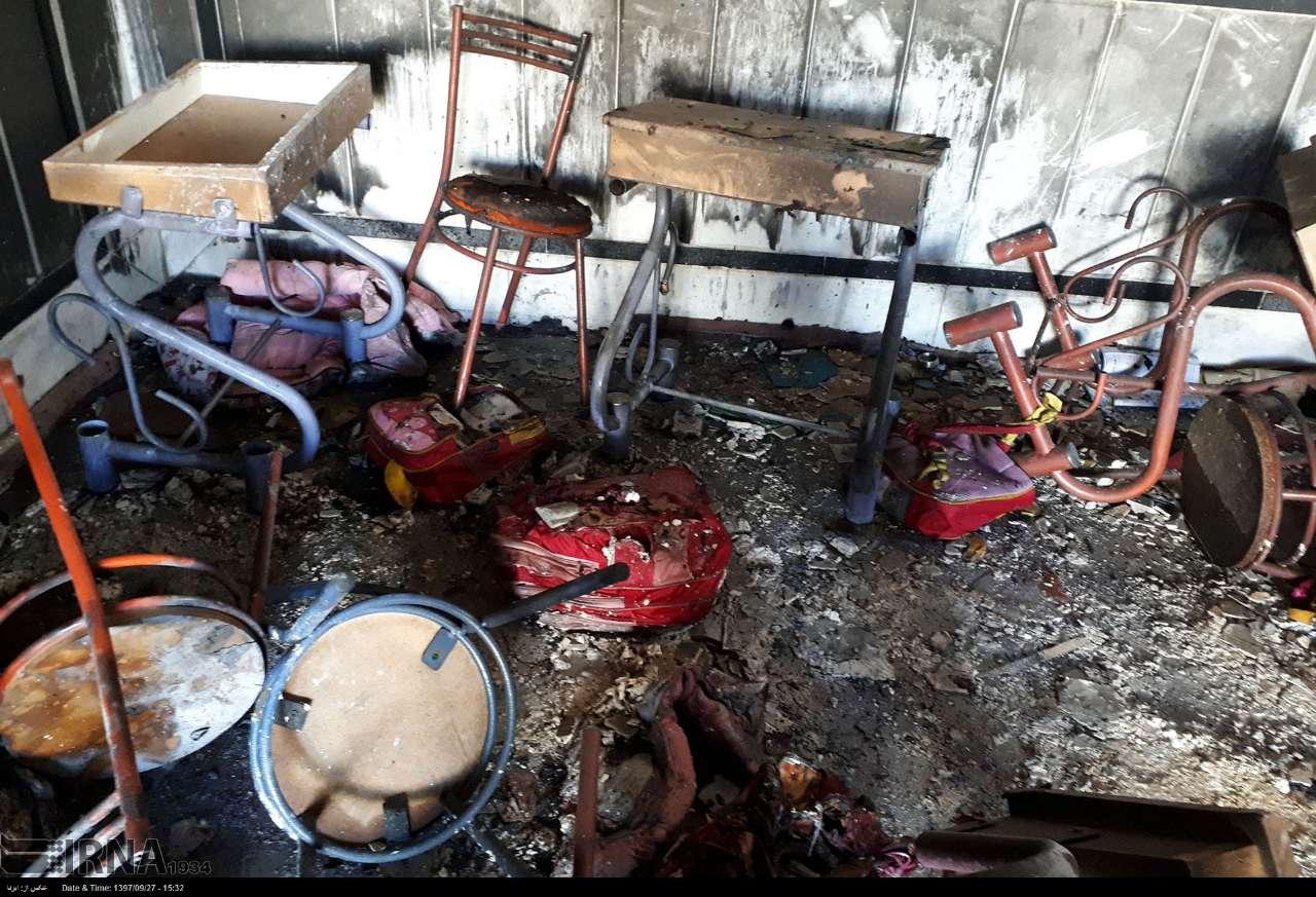 خواهر دوقلوی دختر فوت شده در حادثه زاهدان: التماسها و ضجههای خواهرم از گوشم بیرون نمیرود - 6