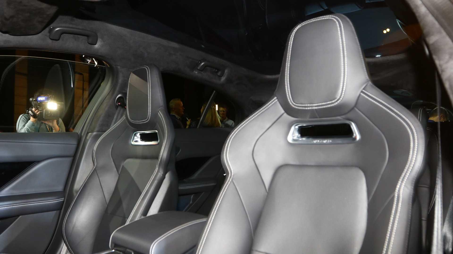 جگوار آی- پیس الکتریکی خودروی سال اروپا - 15