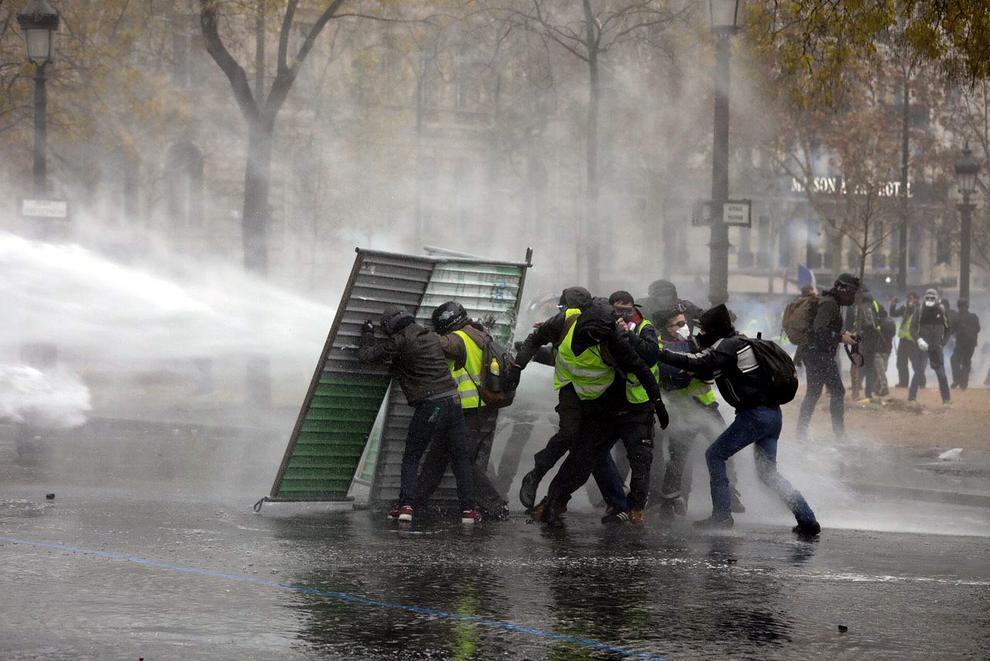 """سومین هفته اعتراضات سراسری در فرانسه/ """"جلیقه زردها"""" کیستند و چه میخواهند؟ - 13"""