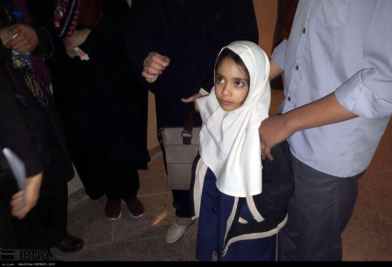 خواهر دوقلوی دختر فوت شده در حادثه زاهدان: التماسها و ضجههای خواهرم از گوشم بیرون نمیرود - 15