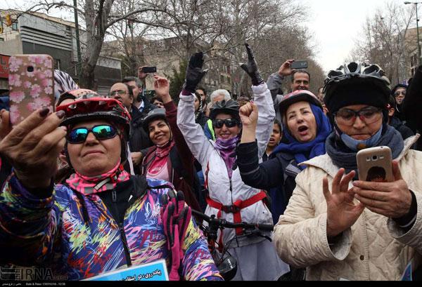 تصاویری از بانوان دوچرخهسوار در تهران - 11