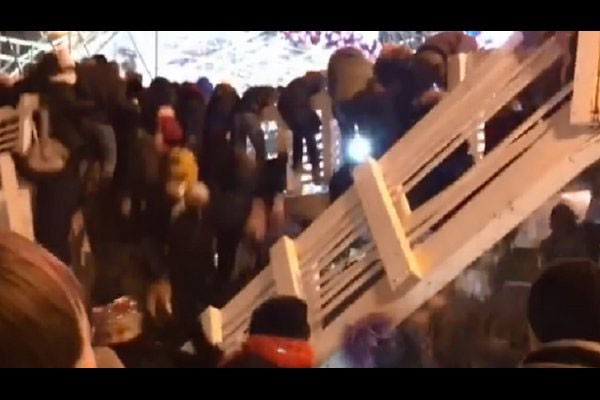 فروریختن پل در جشن سال نو مسکو - 4
