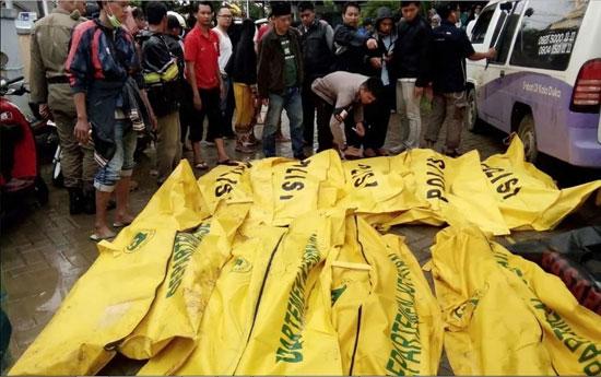 بلایی که سونامی مرگبار سر مردم اندونزی آورد - 9