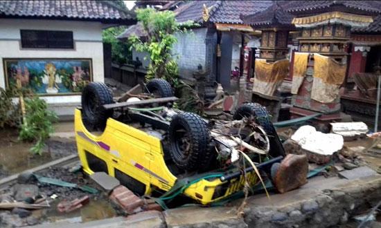 بلایی که سونامی مرگبار سر مردم اندونزی آورد - 13
