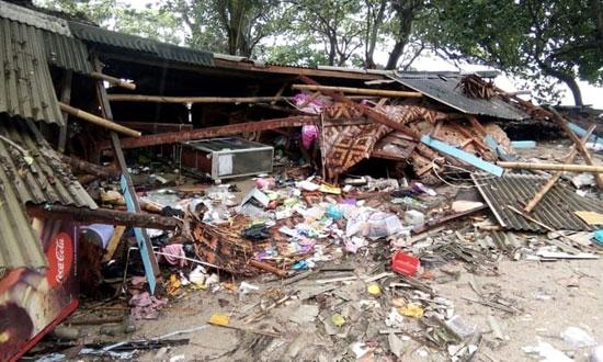بلایی که سونامی مرگبار سر مردم اندونزی آورد - 2