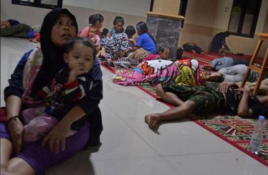 بلایی که سونامی مرگبار سر مردم اندونزی آورد - 8