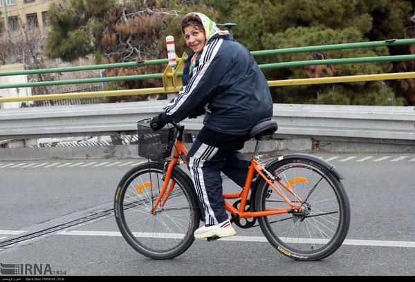 تصاویری از بانوان دوچرخهسوار در تهران - 7