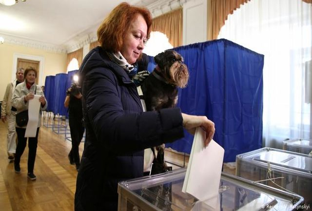 انتخابات ریاست جمهوری در اوکراین آغاز شد