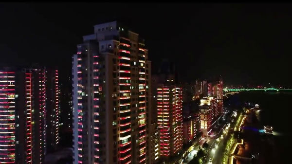 رکوردهای گینس: بیشترین چراغ استفاده شده برای یک نمایش نوری - 11
