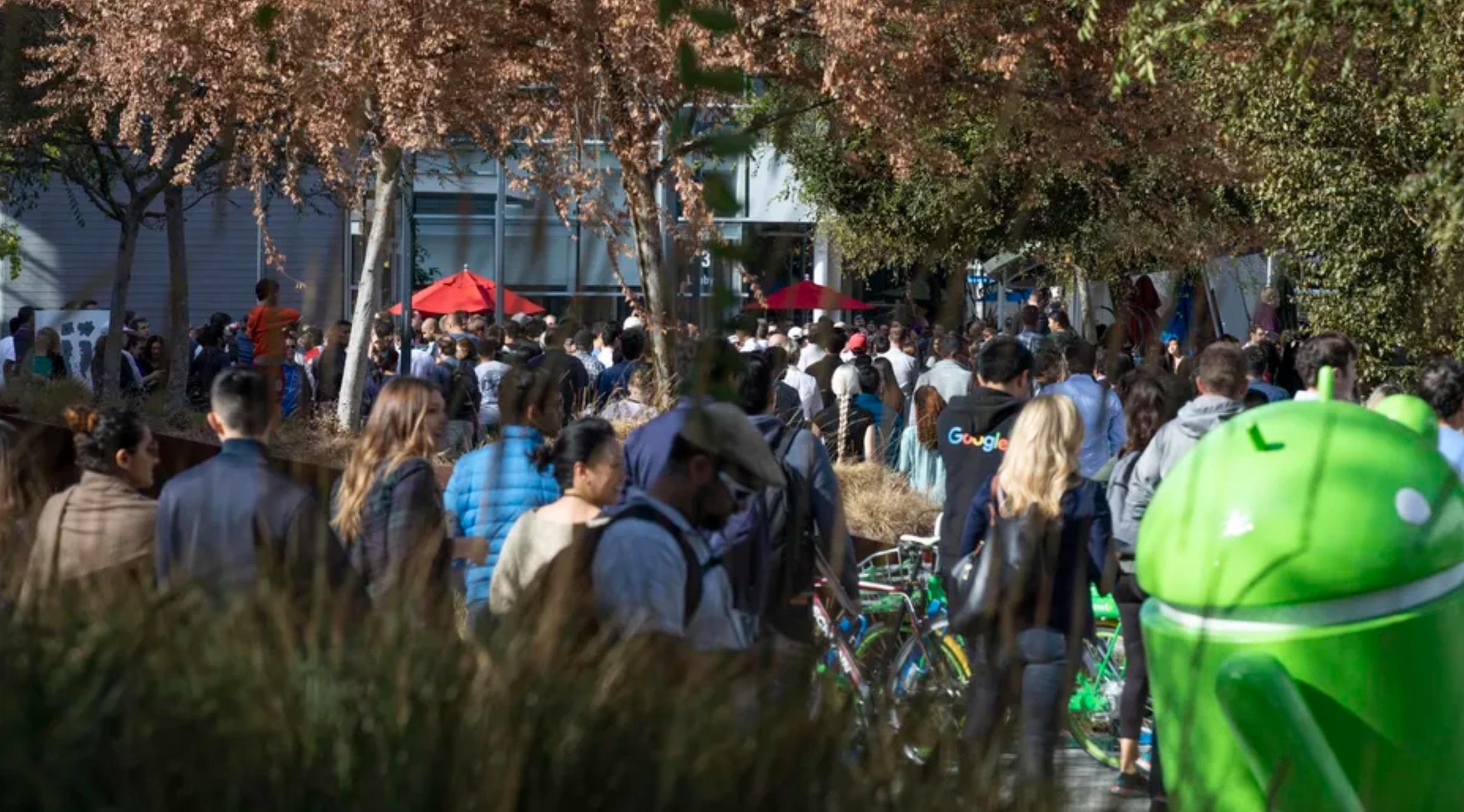تصاویری از راهپیمایی کارکنان گوگل به دلیل رسواییهای اخیر - 7