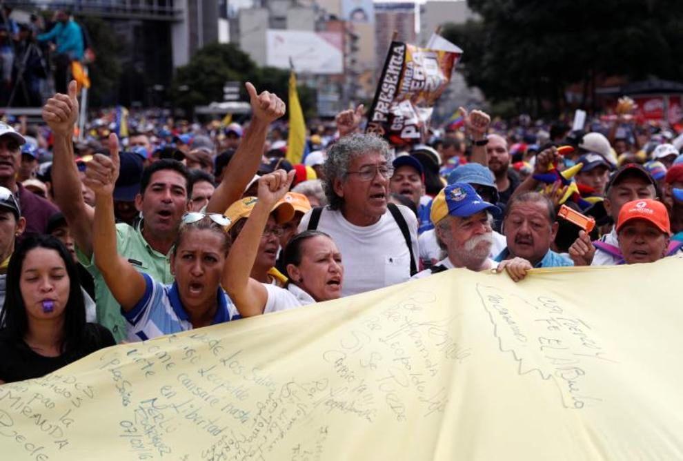 تصاویر لحظه به لحظه قیام مردم ونزوئلا - 32
