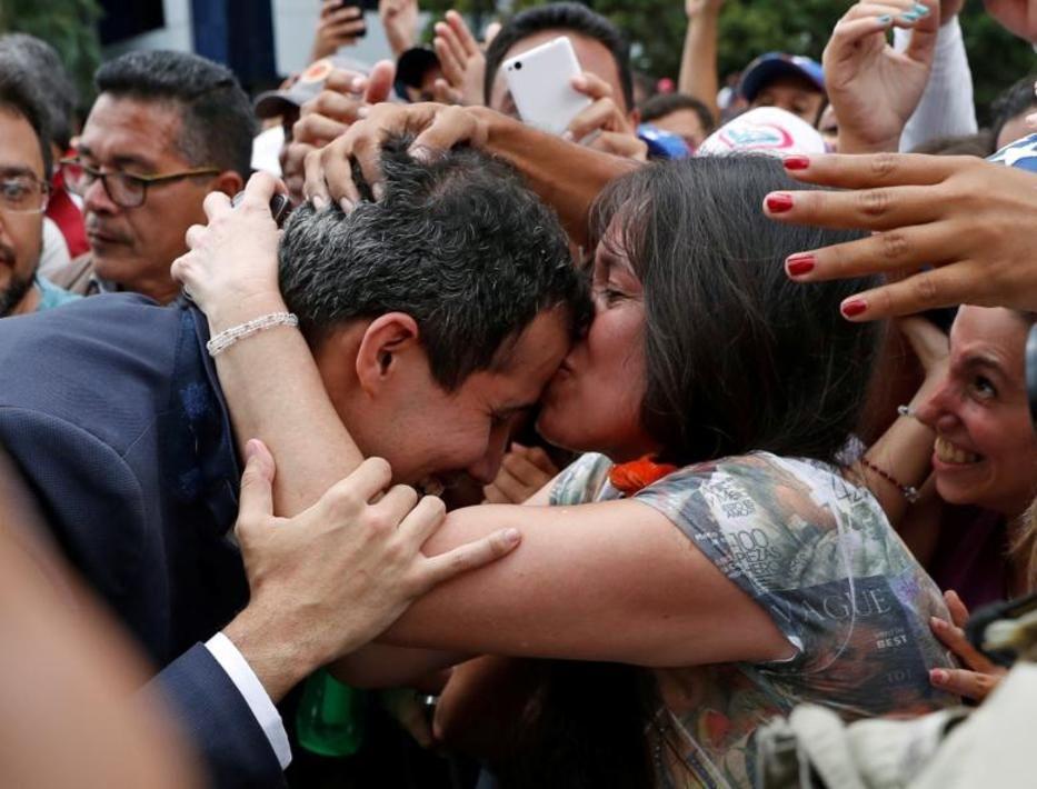 تصاویر لحظه به لحظه قیام مردم ونزوئلا - 6