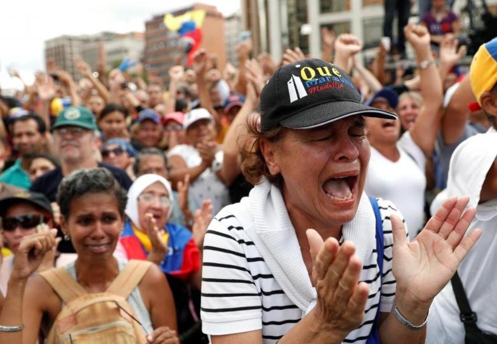 تصاویر لحظه به لحظه قیام مردم ونزوئلا - 17