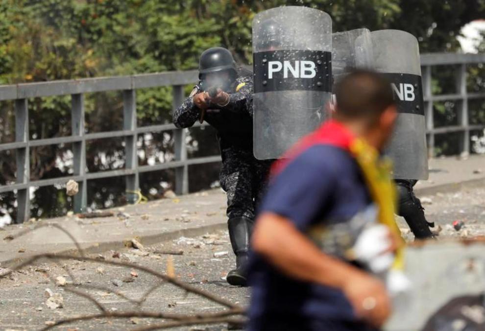 تصاویر لحظه به لحظه قیام مردم ونزوئلا - 33