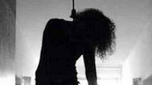 جزییات خودکشی دختربچهای که به تقلید از فیلم هندی خود را دار زد! - 0