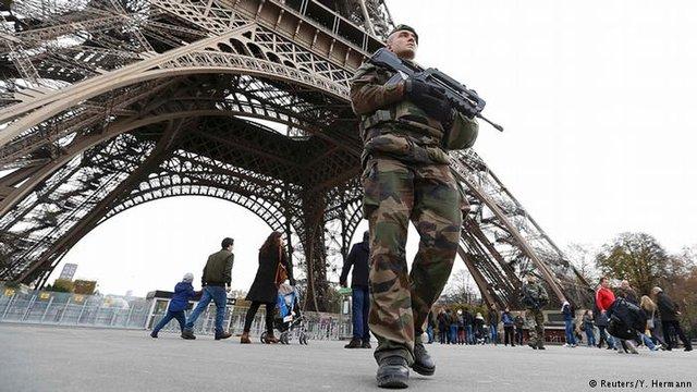 آمادهباش پلیس فرانسه در آستانه سال نوی میلادی - 0
