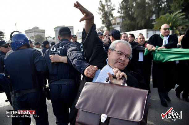 تصاویر: تظاهرات گسترده وکلا علیه عبدالعزیز بوتفلیقه - 15