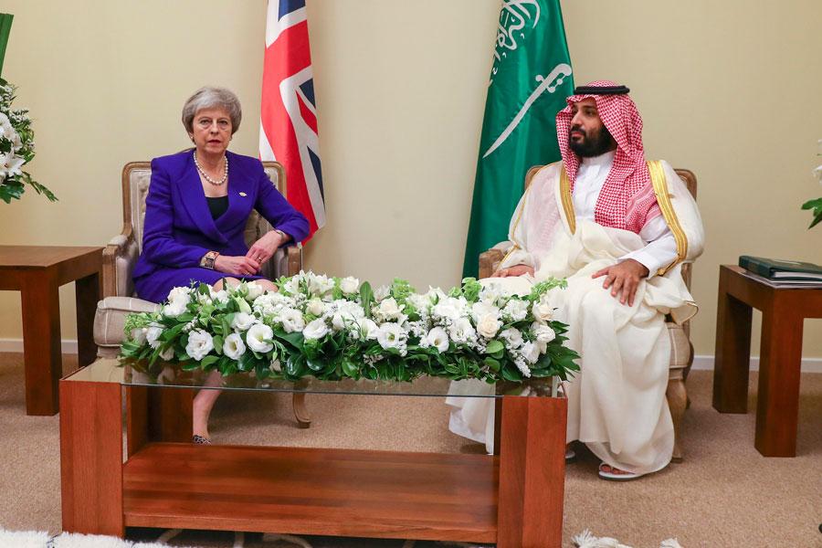 ترزا می در دیدار با ولیعهد عربستان: عامل اصلی قتل خاشقچی باید معرفی شود - 0