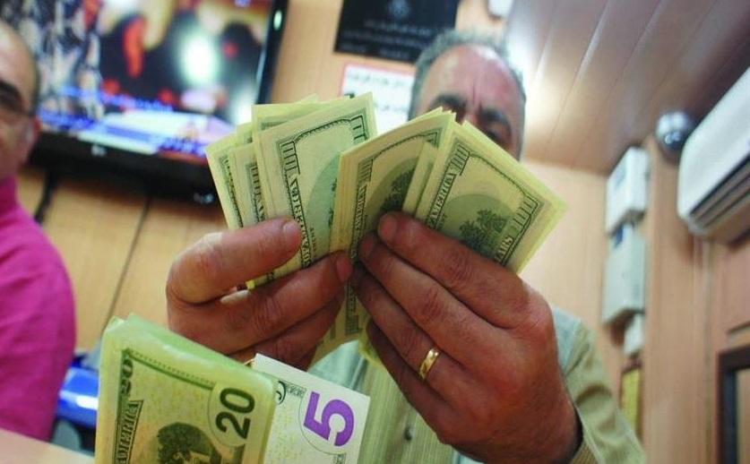 گزارشی از خریدوفروش ارز در خیابان فردوسی؛ دلار را تا ۱۲ هزار و ۵۰۰ تومان میخرند - 0