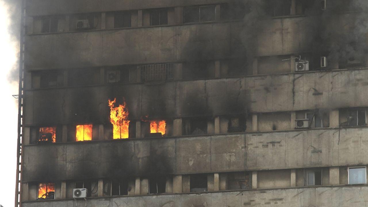۳۰ دی ۱۳۹۵؛ آتشسوزی و ریزش ساختمان پلاسکو + تصاویر - 7