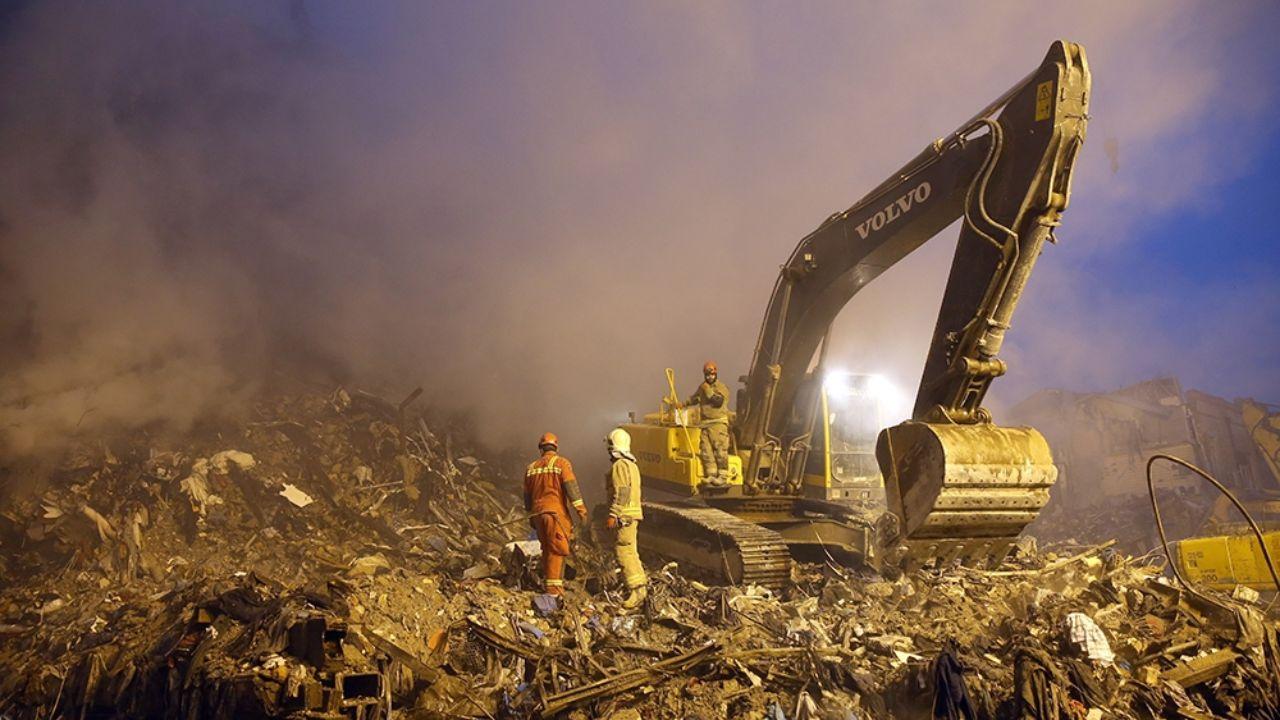 ۳۰ دی ۱۳۹۵؛ آتشسوزی و ریزش ساختمان پلاسکو + تصاویر - 17