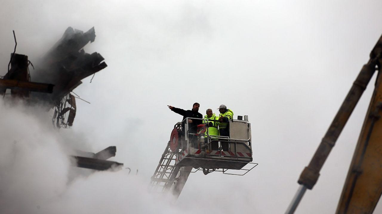 ۳۰ دی ۱۳۹۵؛ آتشسوزی و ریزش ساختمان پلاسکو + تصاویر - 13