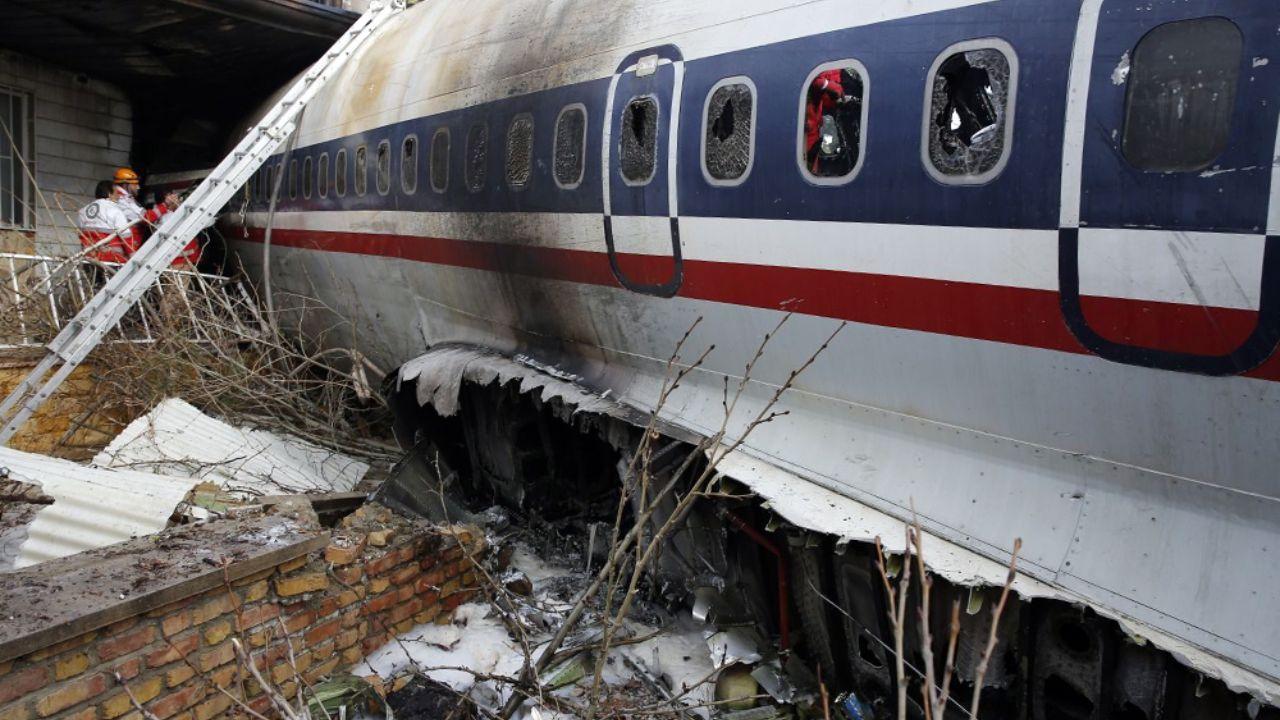 خانهای که هواپیما با آن اصابت کرده است + تصاویر - 3