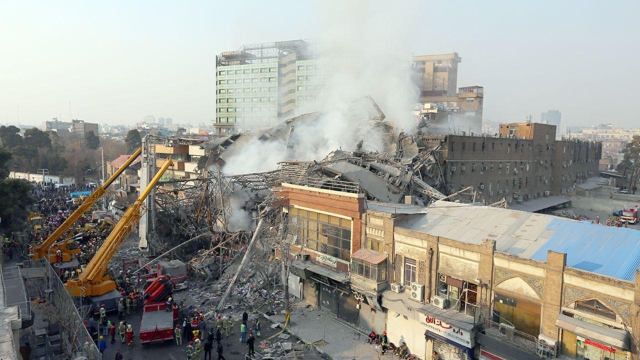 ۳۰ دی ۱۳۹۵؛ آتشسوزی و ریزش ساختمان پلاسکو + تصاویر - 18