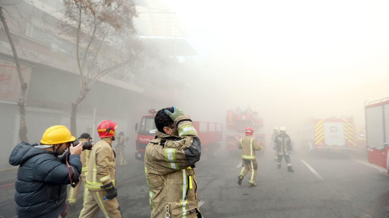 ۳۰ دی ۱۳۹۵؛ آتشسوزی و ریزش ساختمان پلاسکو + تصاویر - 15