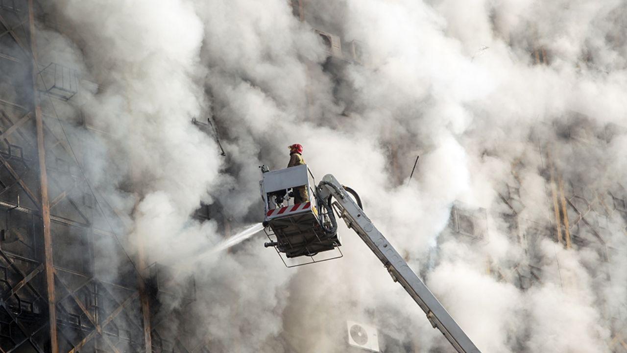۳۰ دی ۱۳۹۵؛ آتشسوزی و ریزش ساختمان پلاسکو + تصاویر - 9