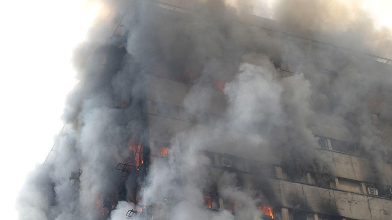۳۰ دی ۱۳۹۵؛ آتشسوزی و ریزش ساختمان پلاسکو + تصاویر - 8