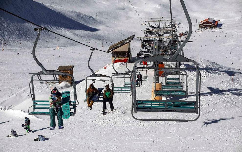 (تصاویر) لذت اسکی در برفهای پاییزی توچال - 19