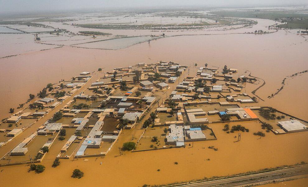 (تصاویر) بازدید هوایی وزیر کشور از مناطق سیلزده خوزستان - 6