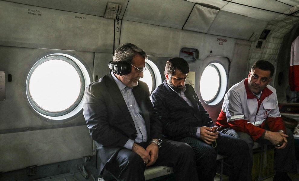 (تصاویر) بازدید هوایی وزیر کشور از مناطق سیلزده خوزستان - 5