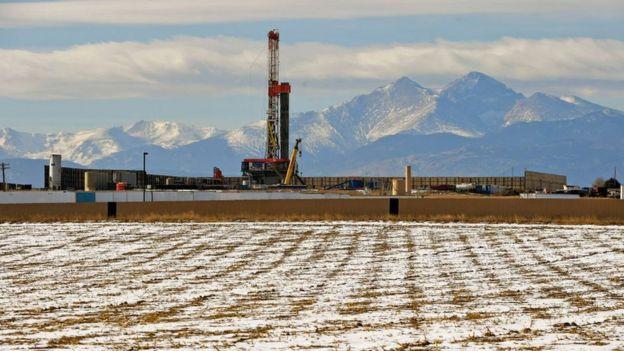 """عربستان ماه آینده ۵۰۰ هزار بشکه از صادرات نفت خود """"کم میکند"""" - 18"""