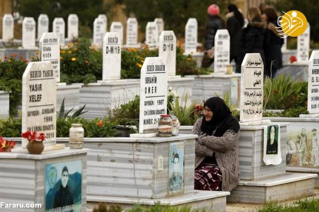 (تصاویر) تشییع دختر کشته شده در جنگ با داعش - 23